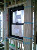 窓枠の取り付け完了002