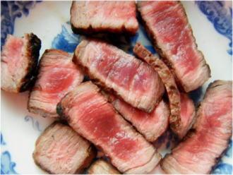 牛肉のタタキです。