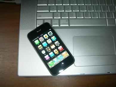 iPhone3GMacBookPro04