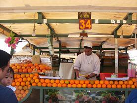 オレンジジュースの屋台