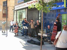 街の音楽家6人組