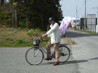 自転車に乗った桃太郎