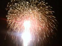 収まりきれないほどの大きな花火2
