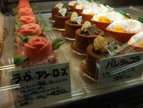 店内ケーキアップ
