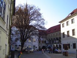 ティーン教会裏広場