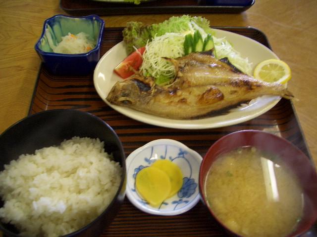 カレイ昼定食