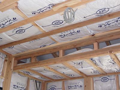 子供部屋 天井の下地組と断熱材