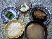 鰤の照り焼き、小松菜のおひたし、枝豆豆腐