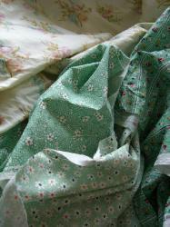 グリーンの布