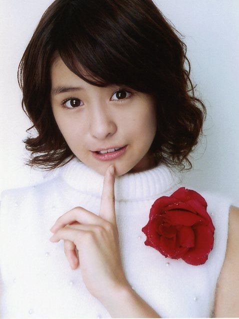 梨沙子2006カレンダー1