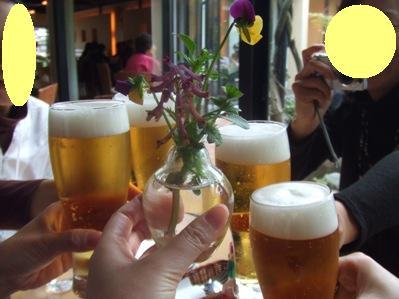 みんなビールなんだもん!インパクト持たせる為にはお花を!