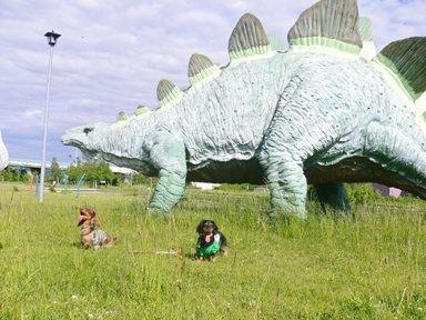でか恐竜と2ワン
