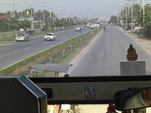 タイの一般道