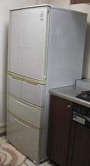 故障した冷蔵庫