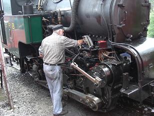 ロートホルン鉄道・機関車点検