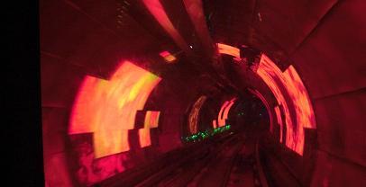 4 外灘観光隧道