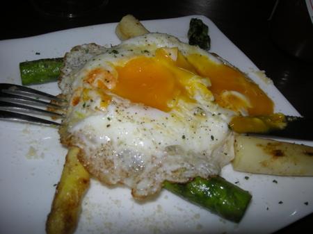 アスパラと玉子の鉄板焼き2