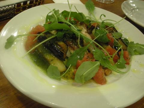 鯛のソテー、季節の野菜を添えて