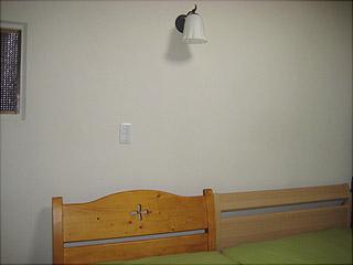 0319ベッドとブラケット