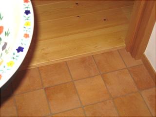 0806トイレ2階床