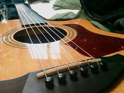 ナイロン弦フォークギター