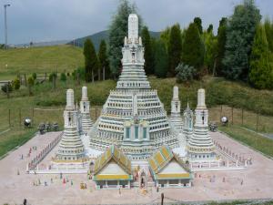 タイ・バンコクのワット・アルン~暁の寺~