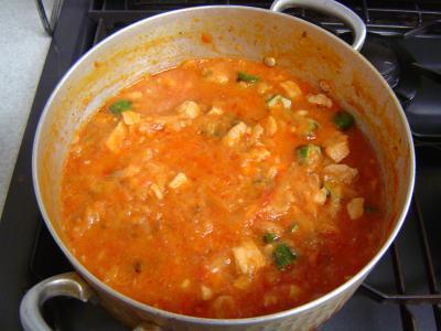 豚肉とキャベツのトマトソース煮込み