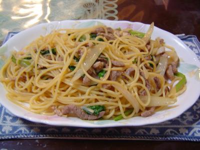豚肉と小松菜の和風パスタ