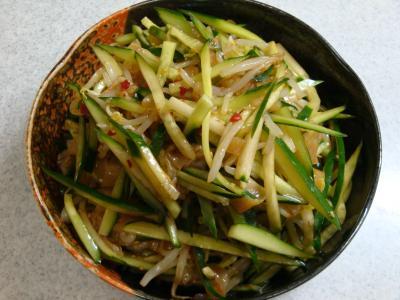 きゅうりともやしと中華くらげのサラダ