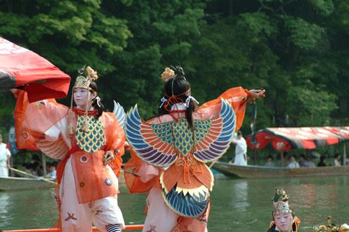 三船祭舞楽舞う