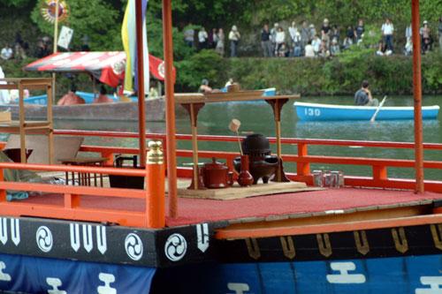 三船祭鷄首船献茶式