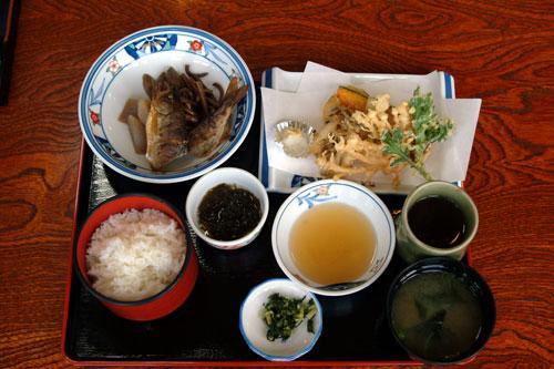 有田川町あさぎり 山菜料理