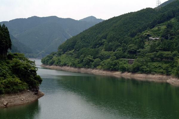 蔵王橋より仁川ダム