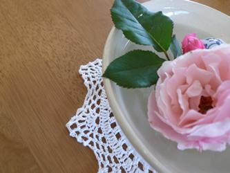 水盤の薔薇