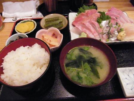 刺身定食の上(1350円)