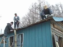 080405屋根葺き004