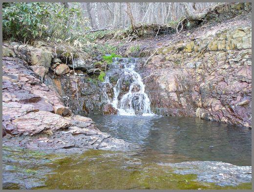 小川の小滝