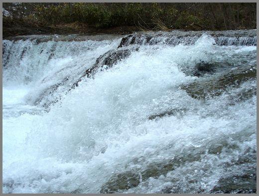 滝の流れ3