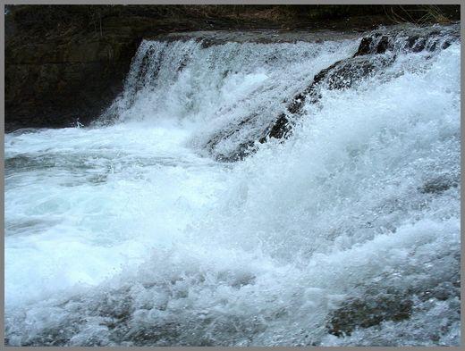 滝の流れ4