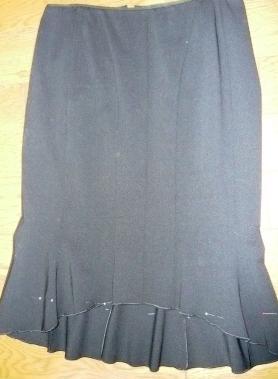 直し黒のスカート