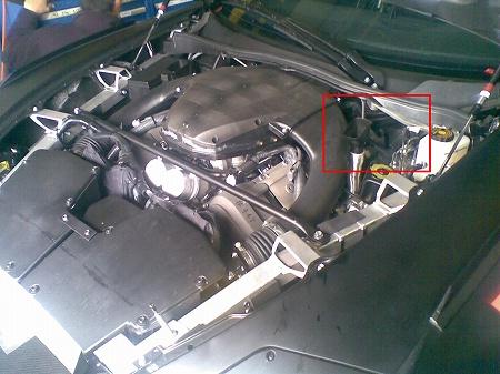 LF-A、エンジンルーム内の写真
