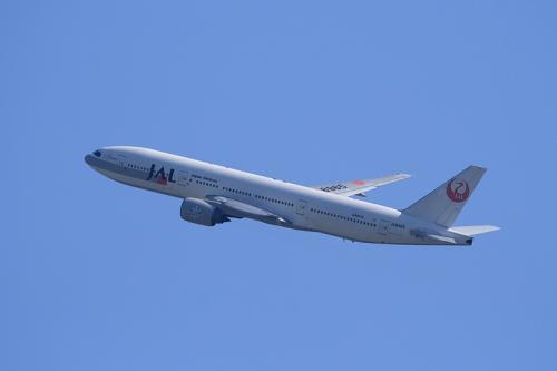 JAL B777-246 StarJet Procyon JL106@大鹿TSUTAYA駐車場(by EF100-400)