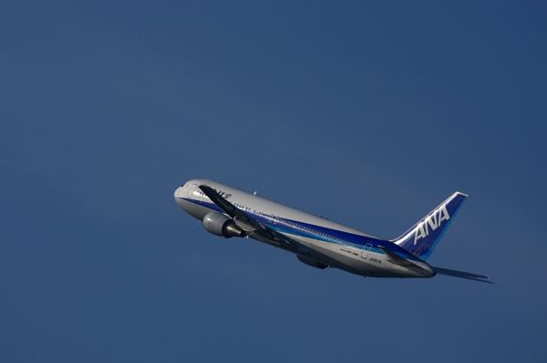 ANA B767-381 NH737@イオンモール立駐(by 40D with EF100-400)