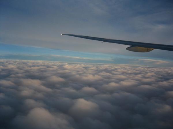 復路・・・上昇中に見た雲海@NH37便(by IXY DIGITAL L3)
