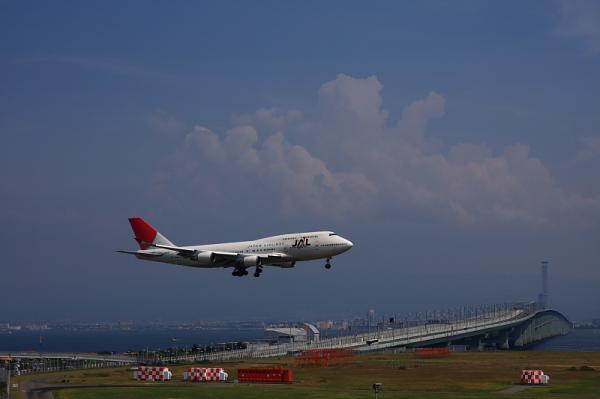 JAL B747-446@関西国際空港(by 40D with SIGMA 18-50)