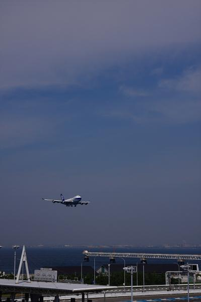 NCA B747-400F@関西国際空港(by 40D with SIGMA 18-50)