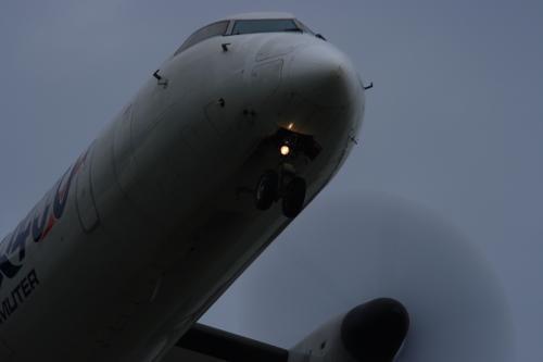 JAC DHC8-Q400 3X2276@RWY32Rエンド(by EF100-400)