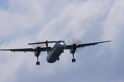 JAC DHC8-Q400 3X2242@千里川土手沿い(by EF100-400)