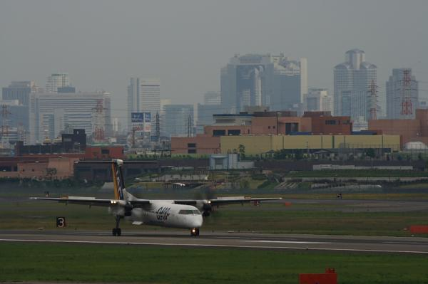 JAC DHC8-Q400 3X2438@下河原緑地(by EF100-400)