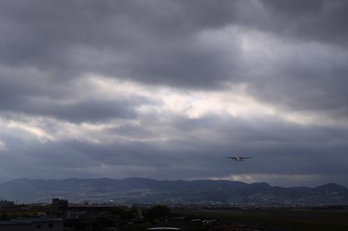JAL B777-246 JL126@スカイランドHARADA(by SIGMA 18-50)